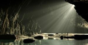 Na caverna
